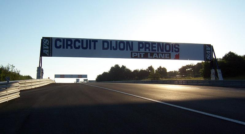 le circuit de dijon pr nois. Black Bedroom Furniture Sets. Home Design Ideas